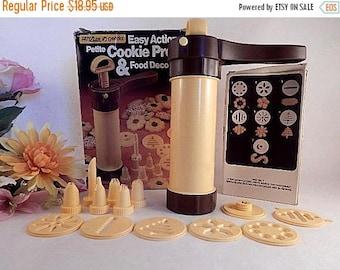 Cookie Press Hutzler Gerda Easy Action Petite Food Decorator Cake Decorating Tool Baking Supply Nozzle Tops Template Discs