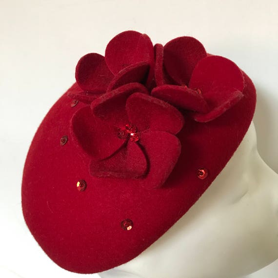 Vintage hat pillbox beret red wool felt poppy design round hat sequin 1950s 1960s style Jackie O classic Goodwood Revival wedding hat