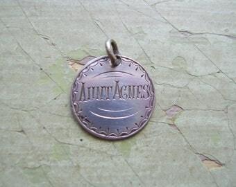 An Antique Victorian Coin Love Token/Token - Engraved Silver Threepence - Queen Victoria.