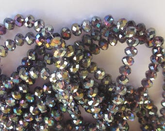 30 faceted beads in plum glass reflection 7 to 8 mm (81)