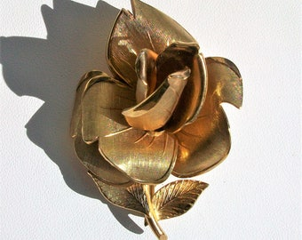 Vintage Coro Gold Tone Rose Brooch Pin