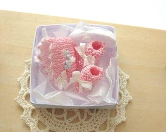 dollhouse gift boxed bonnet booties pink vintage 12th scale miniature
