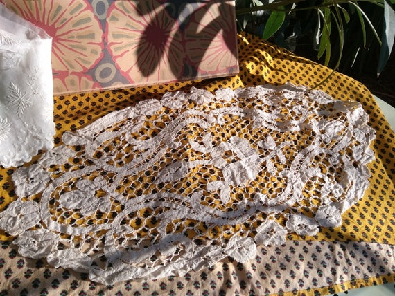 Venetian Art Lace Doily 1930's French Antique Off White Cotton Handmade Lace Table Center Floral Doily #sophieladydeparis