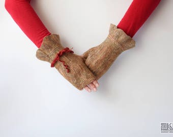 Beige and red, Wool gloves, Cinamon gloves, beige hand warmers, Felted mittens, Wool hand warmers, Winter gloves, Winter fashio, Red bangle