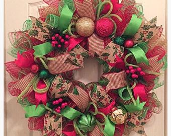 Country Christmas Burlap Deco Mesh Wreath/Christmas Wreath/Christmas Burlap Wreath/Lime, Burlap and Red Christmas Wreath