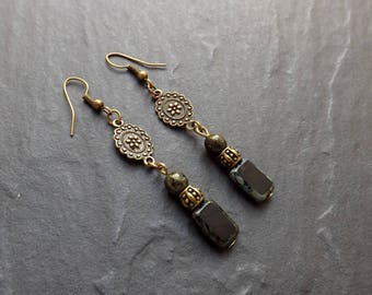 "Earrings ""fez"" Czech glass, brass"