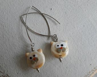Cat in beige, Lampwork bead earrings