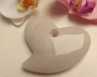 heart shape style white gemstone pendant