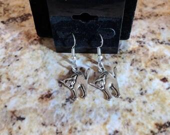 Dangle earrings - silver scared cat