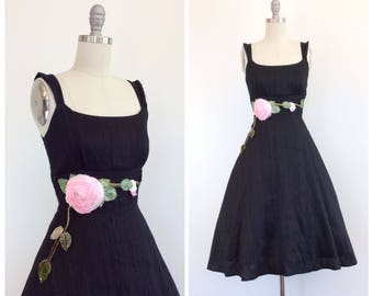 50s Black Floral Day Dress / 1950s Vintage Cotton Sun Summer Dress / Small / Size 4