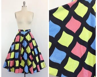 50s Print Circle Skirt / 1950s Vintage Cotton Skirt / Small / 25 inch waist