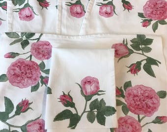 Gorgeous Cottage Roses Set of 6 Napkins Farmhouse Linens Country Shabby Chic