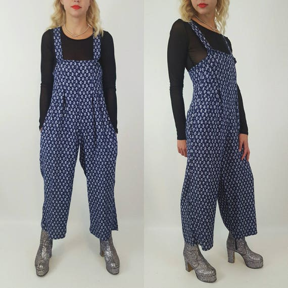 80's Floral Print Jumper Pants Suit Extra Small 2/4 -  Navy Blue Jumpsuit Cropped Pant One Piece Jump Suit - XS Vintage Romper With Pockets