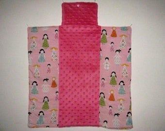 Matelas à langer pliable nomade tissu rose imprimé de petites filles et minky cadeau naissance bébé fille