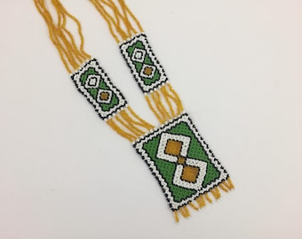 Hand Beaded Indian style necklace from the 50's or 60's. Vintage.