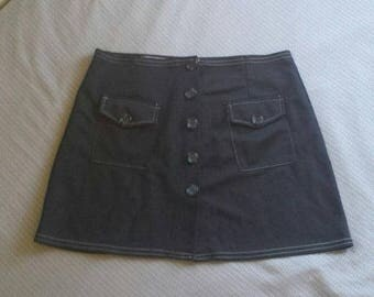 ON SALE LA movers black contrast stitched A line short skirt Xl