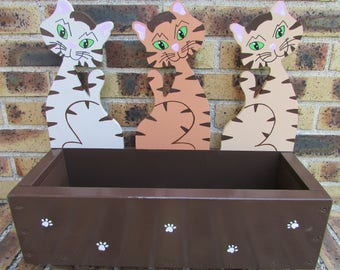 Decorative planter wooden pattern three cats