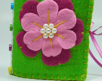 Felt Flower Needle Book, sewing pin book accessory, quilting notions, needle keeper case, supply wallet organizer, teachers Valentine Day