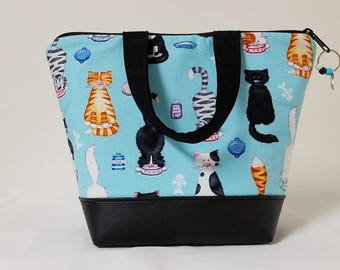 Kitty Lunch Bag, Vinyl Bottom, Girls Kitty Lunch Box, Kids Cat Lunch Box, Washable Lunch Bag, Kids Insulated Lunch Bag, Heavy Nylon Lining.