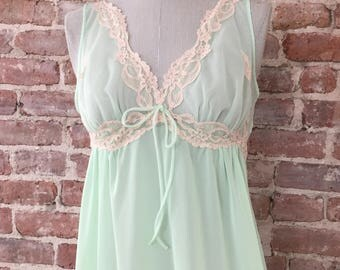 S / 1960s Green Nightgown / Long Summer Nightgown / Vintage Lingerie / Romantic Gown