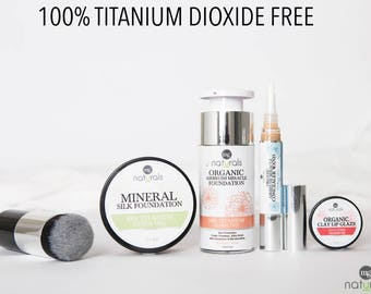 Organic, Vegan natural mineral makeup set - foundation, concealer, powder, lip gloss gift set