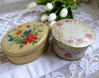 Set of 2 vintage flower candy tins. Colorful flowers vintage tin. Roses vintage tin.Vintage storage tin. French cottage roses decor