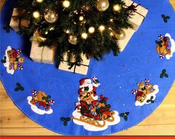 """Bucilla Santa And His Sleigh ~ 43"""" Felt Christmas Tree Skirt Kit #86362 Teddy"""