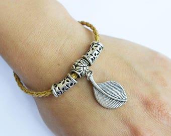 """""""Leaf"""" charms leather bracelet"""