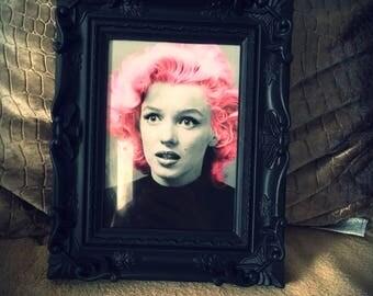 """Marilyn Monroe pink hair print in black frame 7x5"""""""