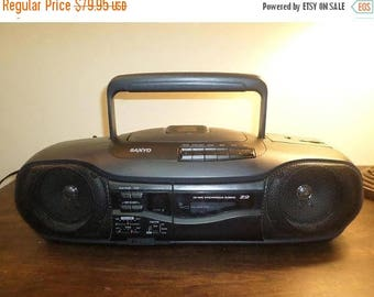 Save 25% Now Vintage Sanyo MCD-Z2 CD Radio Cassette Recorder Portable Boom Box Ghetto Blaster Works Perfect