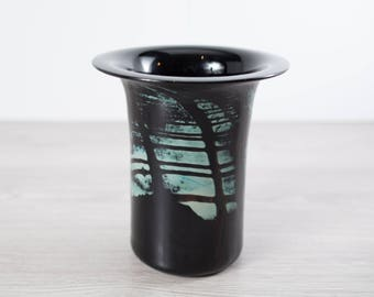 Vintage 1980's Sirius Glassworks Art Vase Signed by Artist Peter Gudrunas