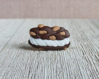 Ice Cream Cookie Sandwich - Snack - Dessert - Summer - Lapel Pin
