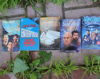 set of 5 Star Trek books science outer space Captain Kirk Vulcan live long and prosper Spock science fiction Star Wars voyager
