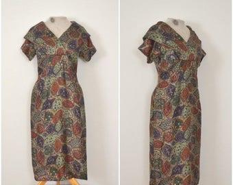 summer sale // 20% off // 1950s sage green silk dress // fifties fancy abstract paisley dress // medium
