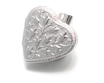 925 sterling silver heart Medallion patterned with flowers