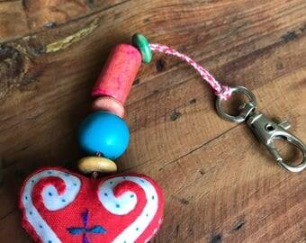 Appliqué heart zipper charm