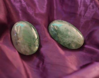 Green fluorite palm stones