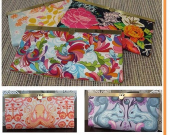 Diva Clutch Wallet Pattern by Sew Many Creations - Paper Printed Pattern