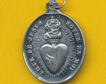 Antique sterling silver Religious Medal Sacred Heart of Jesus and reverse Mary was conceived without sin   (ref 0878)