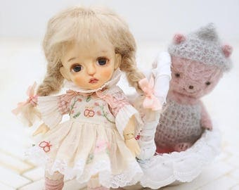 I'm your butterfly--- 1/8 Lati-yellow and   imda 1.7  size-----Need to order