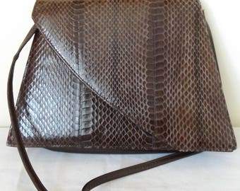 Lovely Ladies Vintage 1970's Brown Leather Shoulder Bag.