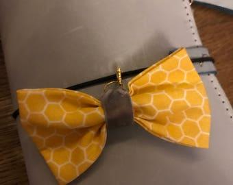 Honeycomb bow charm