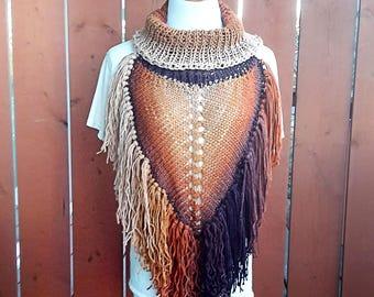 Triangle Scarf Pattern, knit pattern, bandanna scarf, cowl pattern, triangle cowl, collared cowl, cowl knitted scarf, fringe cowl pattern