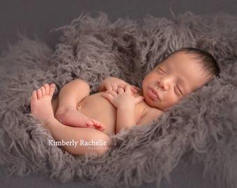 Curly Grey/Gray Faux Fur, Newborn Baby Photo Prop, Flokati Look, Faux Sheep Fur, Gray Faux Fur Prop, Luxury Photo Prop,