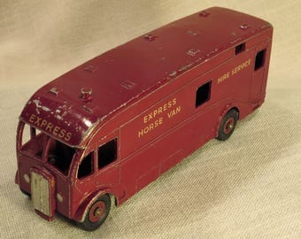 Dinky Supertoys Horse-Box