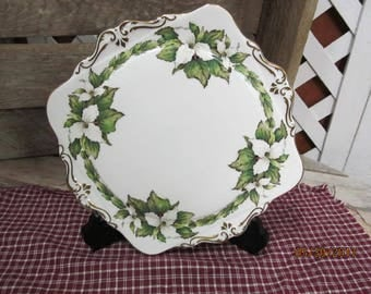 "Vintage Paragon Fine Bone China Dinner Plate Trillium Flower of Ontario Square Dinner Plate 9 1/2"" Gold Trim"