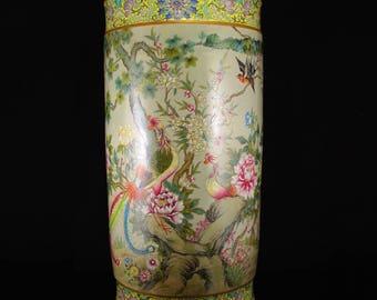 N3865 Chinese Gilt Edges Famille Rose Porcelain Painting Pot