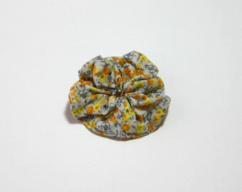 Brooch in grey and yellow floral fabric