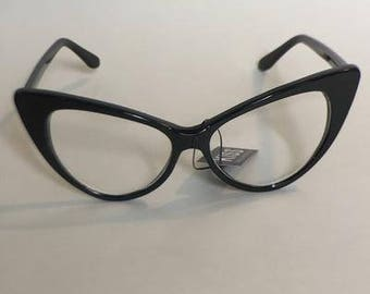 Slim frame cateye glasses