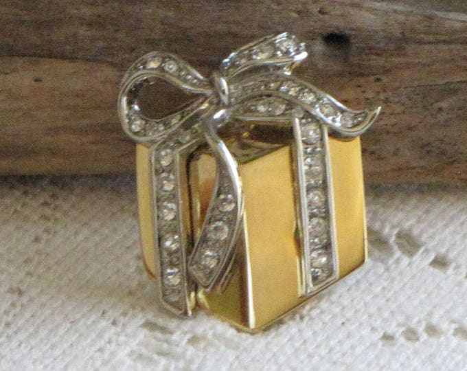 Gold Christmas Present Brooch Vintage Holiday Jewelry and Accessories Lapel Pin Gold Toned with Rhinestone